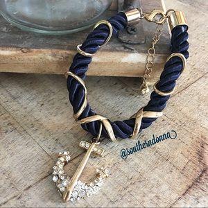 ⚓️ EUC Pretty Anchor Bracelet 💕